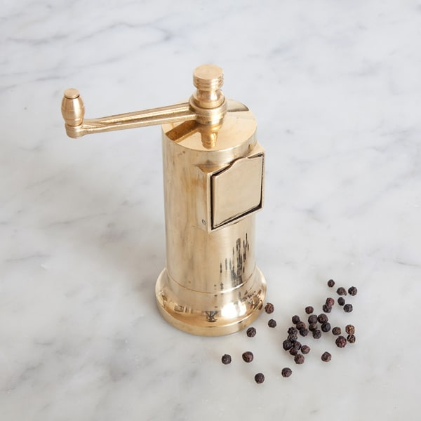 pepper-mill-with-pepper-corns